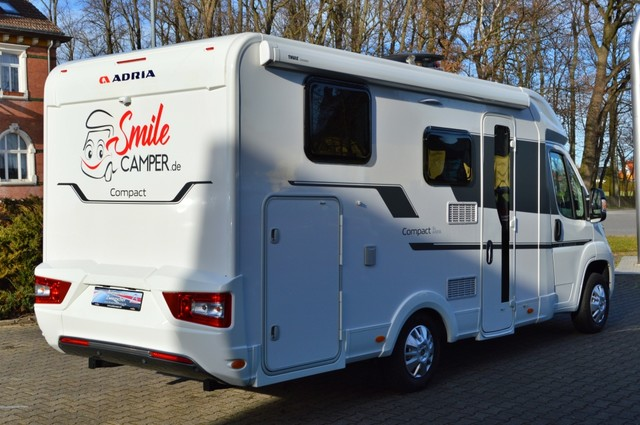 Adria Compact